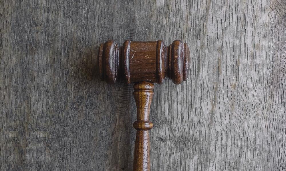 адвокат для суда